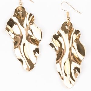 Fall Into Fall - Gold earrings